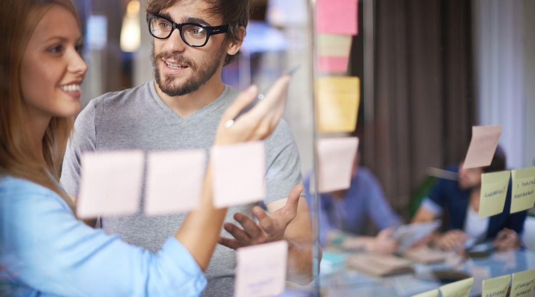 Empreendedores não precisam conhecer profundamente estratégias de marketing digital para começar a implantar em seu negócio